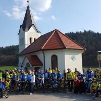 Blagoslova na Šmarčni se je udeležilo  cca130 kolesarjev